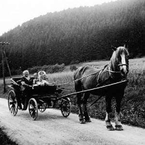 Mutter Meier mit Volkmar - 1930